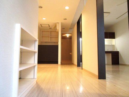 細かいものの整理に便利な収納スペースもたくさんあります。