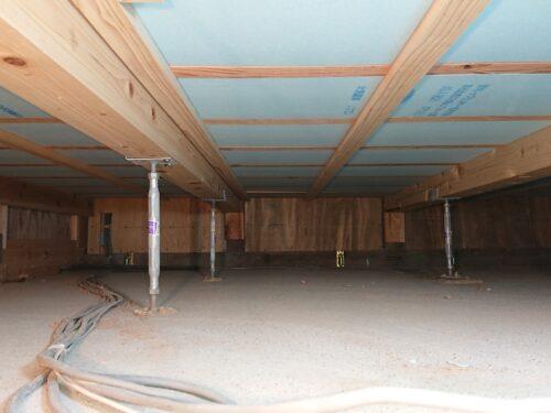 改修工事後の床下部分(コンクリート基礎)