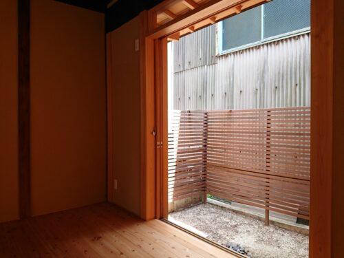 裏庭スペース ウッドフェンスを設置